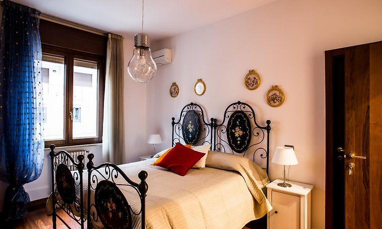 10 MINUTES B&B BED & BREAKFAST, VERONA **